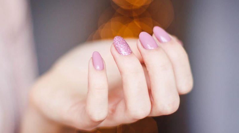 Gélové alebo akrylové nechty